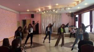 Танцы 80-х.mp4_20190605_125526.203